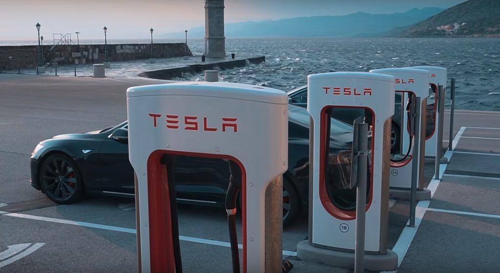 Hogyan mész le elektromos autóval a tengerre? Így!