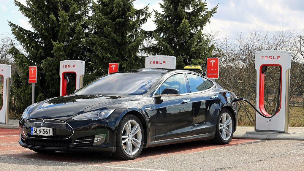 Megjósolta a 2008-as válságot – Most hatalmas tételben fogad a Tesla bukására
